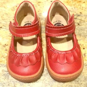 Livie and luca red shoes size 5